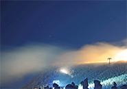 神々しい樹氷原のライトアップ
