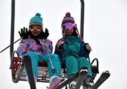 子供スキーヤー いつも仲良し